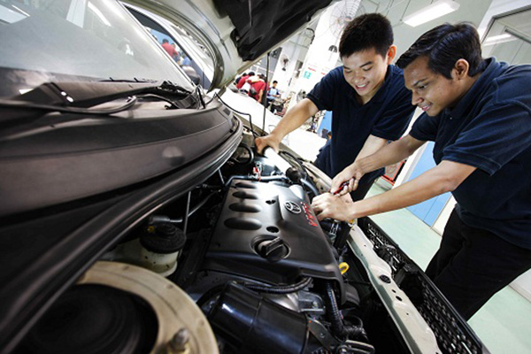 Automotive Engineer Salary And Future Benefits And Challenges